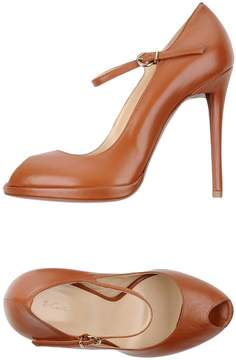 Couture Pumps
