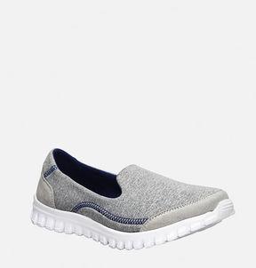 Avenue Rayna Slip-On Sneaker