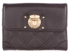 Marc Jacobs Quilted Leather Compact Wallet - BLACK - STYLE