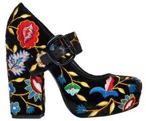 Alice + Olivia Houston Gloria Tapestry Embroidered Heel