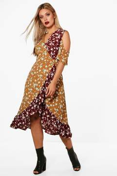 boohoo Plus Charlotte Printed Cold Shoulder Wrap Dress