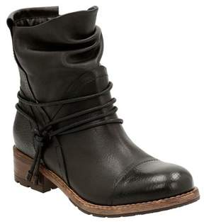 Clarks Women's Volara Dina Boot.