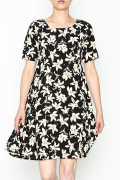 Everly Terri Floral Shift Dress