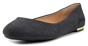 Call it SPRING Womens Fibocchi Closed Toe Slide Flats.