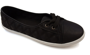 Refresh Black & White Quilted Malibu Sneaker