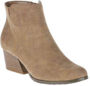 SoftStyle Women's Soft Style Gleda Ankle Boot