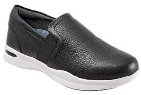 SoftWalk Women's 'Vantage' Slip-On Sneaker