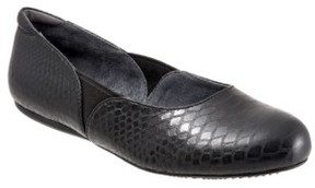 SoftWalk Women's 'Norwich' Flat