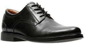 Clarks Men's Un Aldric Lace Plain Toe Derby Shoe.