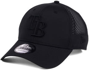 New Era Tampa Bay Rays Black/Black Perf Tech 9FORTY Adjustable Cap