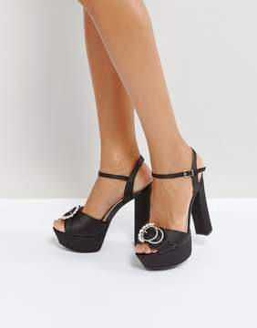 Qupid Brooch Trim Platform Sandal
