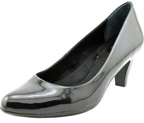 Giani Bernini Tessah Round Toe Synthetic Heels.