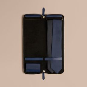 Burberry Grainy Leather Tie Case