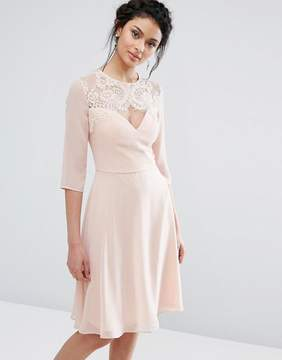 Elise Ryan Lace Sweetheart Midi Dress With 3/4 Sleeve
