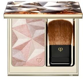 Clé de Peau Beauté Luminizing Face Enhancer - Almond