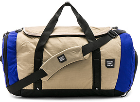 Herschel Supply Co. Gorge Large Bag in Royal.