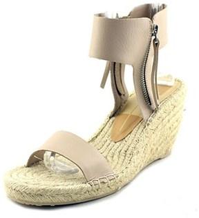 Dolce Vita Gisele Women Open Toe Leather Nude Sandals.