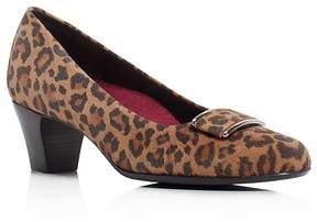 Munro American Mara Leopard Print Mid Heel Pumps
