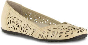 Easy Street Shoes Women's Charlize Flat