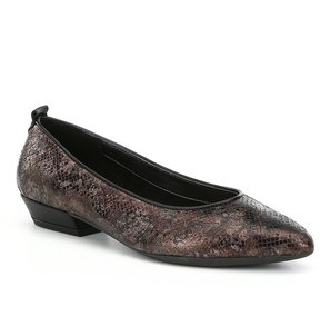 The Flexx Musee Embossed Leather Pumps