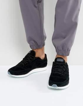 Saucony Freedom Runner Sneakers In Black S40001-2