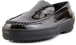 Tod's Gommini Cassetta Pantofola Round Toe Patent Leather Loafer.