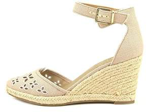 Unisa Womens Areia Closed Toe Casual Ankle Strap Sandals.