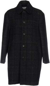 Closed Coats