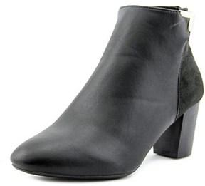 Karen Scott Gahriet Women Round Toe Leather Black Ankle Boot.