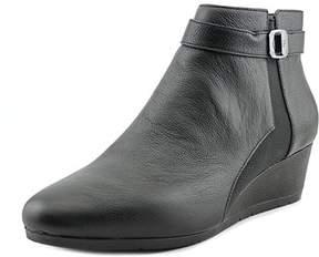 Giani Bernini Celinaa W Open Toe Leather Wedge Heel.