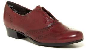 Munro American Yale Wingtip Oxford - Multiple Widths Available