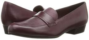 Munro American Kiera Women's Slip-on Dress Shoes