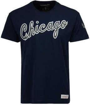 Mitchell & Ness Men's Chicago Bulls Traditional T-Shirt