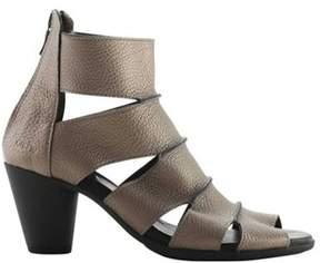 Arche Women's Fueriz Caged Heel Sandal.