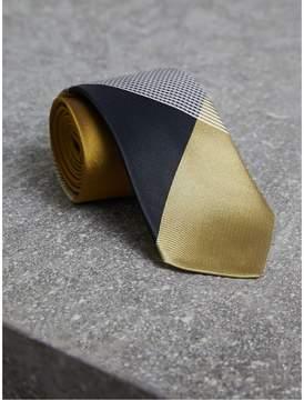 Burberry Modern Cut Check Silk Twill Jacquard Tie