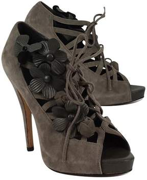 Menbur Gray Suede w/ Floral Detail LaceUp Heels