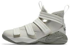 Nike LeBron Soldier XI Big Kids' Basketball Shoe