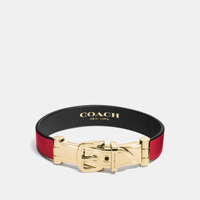COACH WIDE TWO TONE GLOVETANNED LEATHER BUCKLE BRACELET - GOLD/RED BLACK