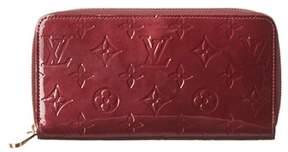 Louis Vuitton Purple Monogram Vernis Leather Zippy Wallet. - PURPLE MULTI - STYLE