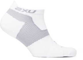 2XU Racing Vectr Stretch-Knit No-Show Compression Socks