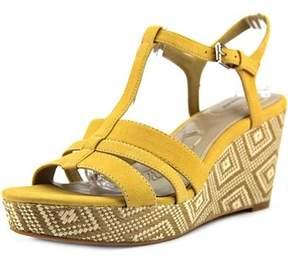 Giani Bernini Womens Sadiee Open Toe Casual T-strap Sandals.