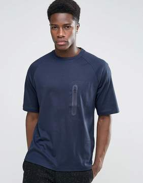 Kiomi Technical T-Shirt with Zip Pocket