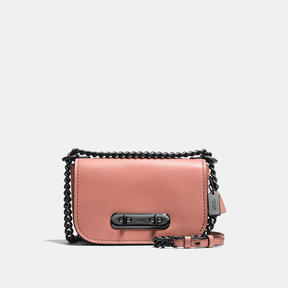COACH Coach Swagger Shoulder Bag 20 In Glovetanned Leather - DARK GUNMETAL/MELON - STYLE