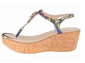Callisto Womens Barton Split Toe Casual T-strap Sandals.