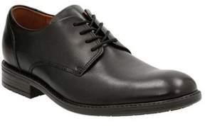 Clarks Men's Truxton Plain Toe Shoe.