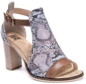 Muk Luks Women's Darcey Stacked Heel Sandal