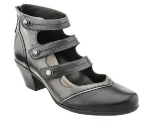 Earth Women's 'Serano' Triple Mary Jane Strap Bootie