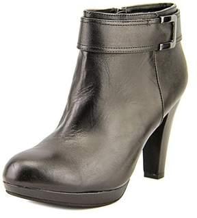 Giani Bernini Netty Round Toe Leather Ankle Boot.
