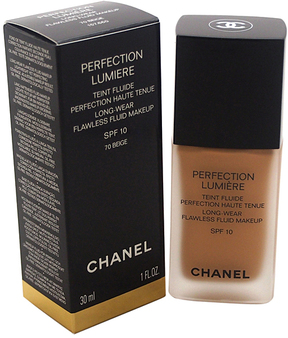 #70 Beige Perfection Lumiere Long-Wear Flawless Fluid Makeup