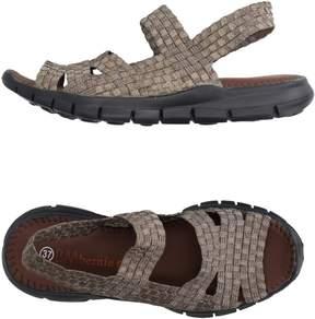 Bernie Mev. Sandals